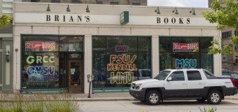 The Collegiate's guide for buying and selling textbooks