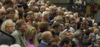 Audience reacts to Carter appearance at GRCC