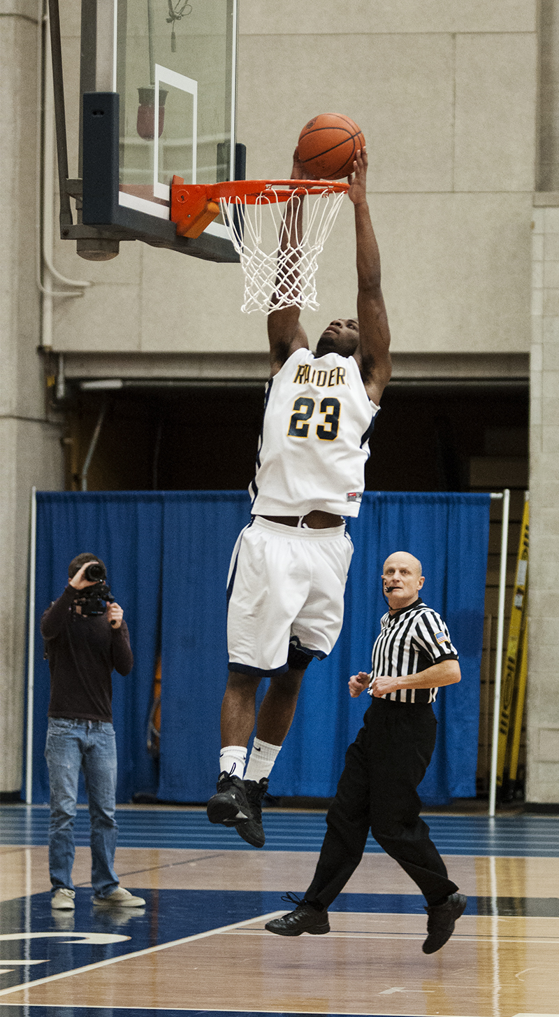 Deontae Hudson goes for a slam dunk at Wednesday's game against the Jackson Community College Jets