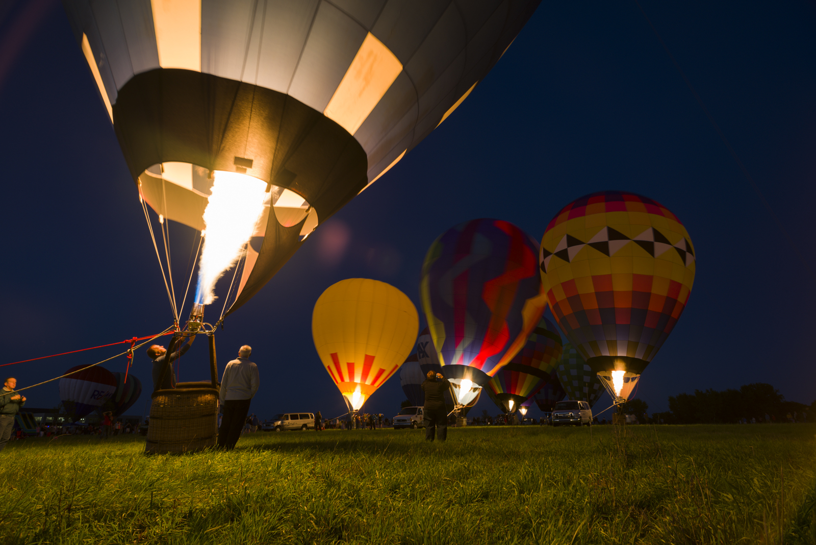 Pilot Jeff Pestun fires up at the Night Glow.   Photo by Jonathan D. Lopez