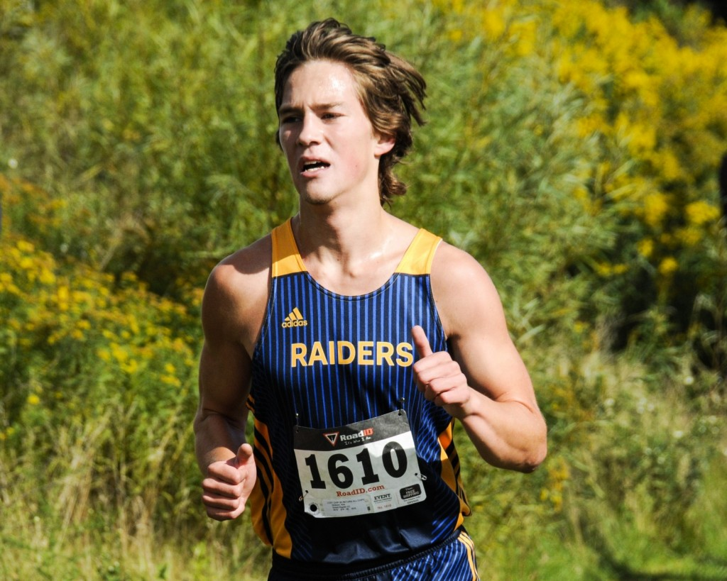 GRCC's Kirk Dickson running in the Knight Invitational.